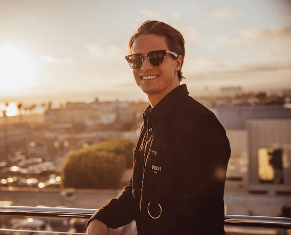 KYGO'S OPENING SHOW WENT OFF IN TROPICAL HOUSE STYLE LAST ...